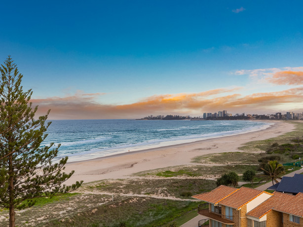 Bilinga beachfront penthouse sold for $1.7 million - REAL Specialists