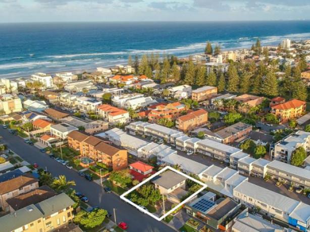 Gold Coast downsizers favoring dual living properties