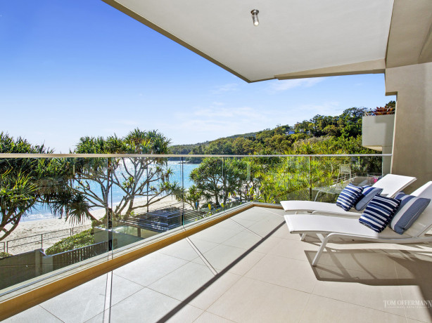 Record prices for absolute beachfront at Noosa