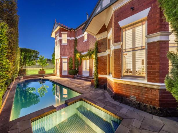 the real estate conversation real estate information for buyers and investors. Black Bedroom Furniture Sets. Home Design Ideas
