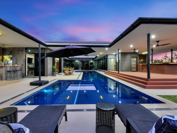 Rural Northern Territory luxury with central swimming pool